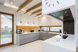 Cucina in stile in stile Moderno di Michał Młynarczyk Fotograf Wnętrz