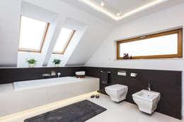 Salle de bain de style de style Moderne par Michał Młynarczyk Fotograf Wnętrz