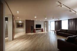 modern Living room by Qua.D