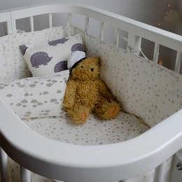 Chichonera para cuna : Dormitorios infantiles  de estilo  por bla bla textiles