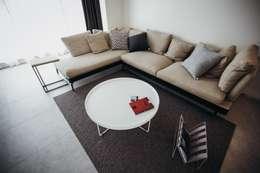 분당구 수내동 아파트 (before& after) : 샐러드보울 디자인 스튜디오의  거실