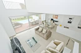 modern Living room by Simple Taste Interiors