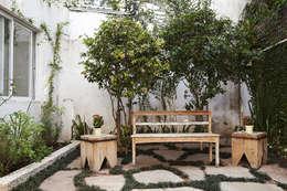 庭院 by Lucia Helena Bellini arquitetura e interiores