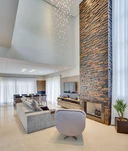 Salas de estilo moderno por Angelica Pecego Arquitetura