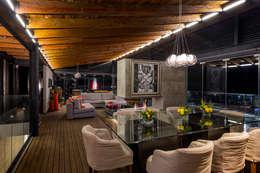 CASA RR: Comedores de estilo moderno por BURO ARQUITECTURA