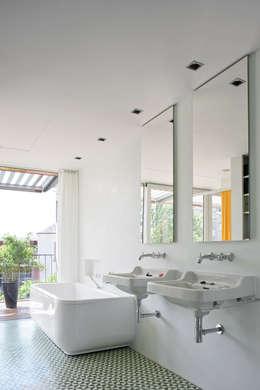 Forsberg Architekten AG의  화장실