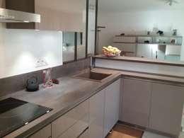 Rénovation d'une cuisine: Cuisine de style de style Moderne par Virginie Barnaba Architecture