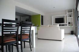 Casa Boedo: Livings de estilo ecléctico por Bonomo&Crespo Arquitectura