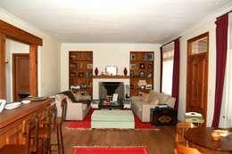 Aulet & Yaregui Arquitectos: modern tarz Oturma Odası