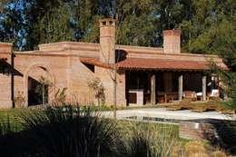 Rumah by Aulet & Yaregui Arquitectos