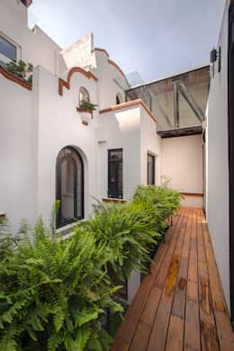 CASA EN HIPÓDROMO CONDESA: Terrazas de estilo  por TW/A Architectural Group