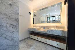 CASA EN HIPÓDROMO CONDESA: Baños de estilo  por TW/A Architectural Group