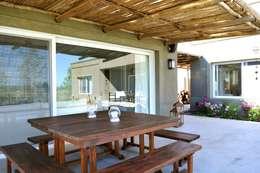 Casa en Pilará: Jardines de invierno de estilo moderno por Aulet & Yaregui Arquitectos
