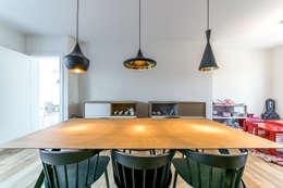Livings de estilo moderno por 08023 Architects