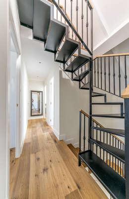 บันได, โถงบันได, ทางเดิน by 08023 Architects