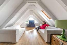 ห้องทำงาน/อ่านหนังสือ by 08023 Architects