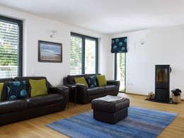 Projekty,  Salon zaprojektowane przez Baufritz (UK) Ltd.
