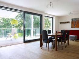 Projekty,  Jadalnia zaprojektowane przez Baufritz (UK) Ltd.