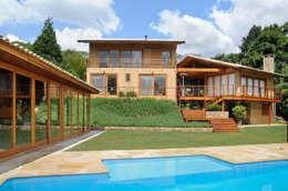 บ้านและที่อยู่อาศัย by Martins Valente Arquitetura e Interiores