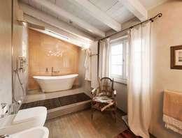 Banheiros modernos por Studio Maggiore Architettura