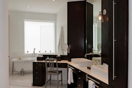 modern Bathroom by Hansi Arquitectura
