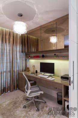 مكاتب العمل والمحال التجارية تنفيذ Martins Valente Arquitetura e Interiores