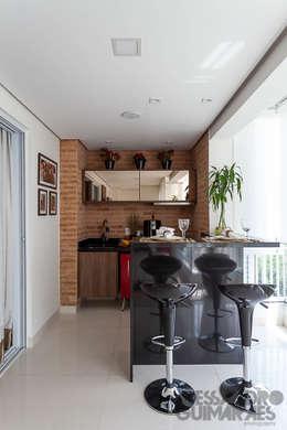 Balcones y terrazas de estilo moderno por Martins Valente Arquitetura e Interiores