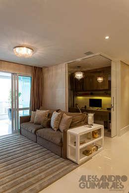 modern Living room by Martins Valente Arquitetura e Interiores