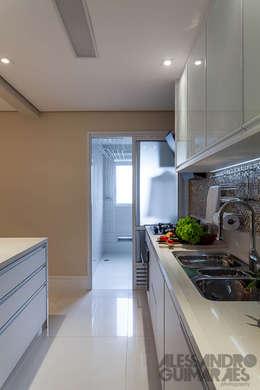 Cocina de estilo  de Martins Valente Arquitetura e Interiores