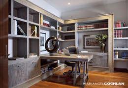 Oficinas de estilo moderno por MARIANGEL COGHLAN