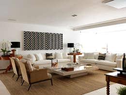 Salas / recibidores de estilo moderno por Toninho Noronha Arquitetura