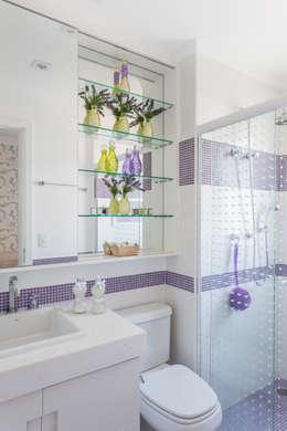Ванная комната в . Автор – Martins Valente Arquitetura e Interiores
