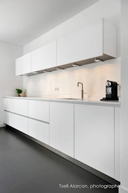 modern Kitchen by Txell Alarcon