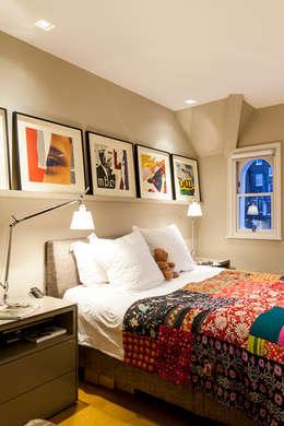 Chambre de style de style Moderne par Studio 29 Architects ltd