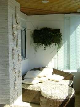 Terrazas de estilo  por MC3 Arquitetura . Paisagismo . Interiores