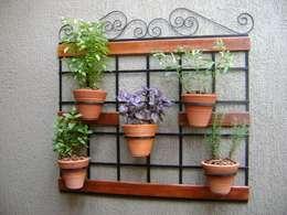 Jardines de estilo ecléctico por MC3 Arquitetura . Paisagismo . Interiores