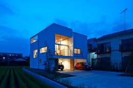 Projekty, nowoczesne Domy zaprojektowane przez 小野里信建築アトリエ
