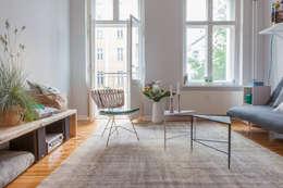 industrial Living room by VINTAGENCY