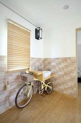 modern Living room by 위드하임