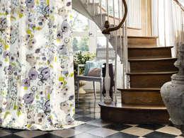 Corridor, hallway & stairs  by Els Home