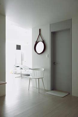 Projekty,  Salon zaprojektowane przez 샐러드보울 디자인 스튜디오