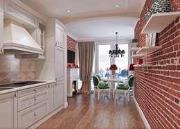 Просторная квартира на ул. Дыбенко: Кухни в . Автор – Студия дизайна интерьера Маши Марченко
