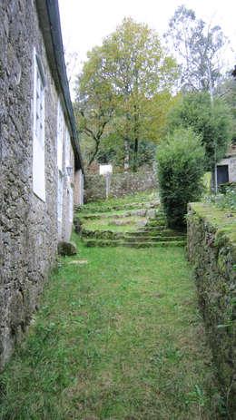 Projekty, wiejskie Domy zaprojektowane przez Ezcurra e Ouzande arquitectura