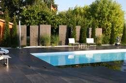 Jardin de style de style Rustique par MM NATURSTEIN GMBH