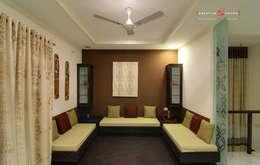 A TRIPLEX VILLA NEAR SUNCITY, HYDERABAD: modern Living room by KREATIVE HOUSE