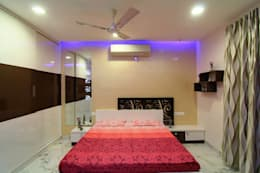 A TRIPLEX VILLA NEAR SUNCITY, HYDERABAD: modern Bedroom by KREATIVE HOUSE