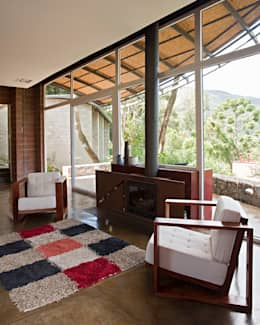 Casas de estilo rural por Enrico Benedetti Arquitetos
