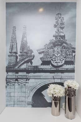 Vestíbulos, pasillos y escaleras de estilo  por Alma Braguesa Furniture