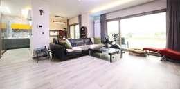 classic Living room by 윤성하우징