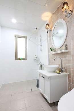 classic Bathroom by 윤성하우징